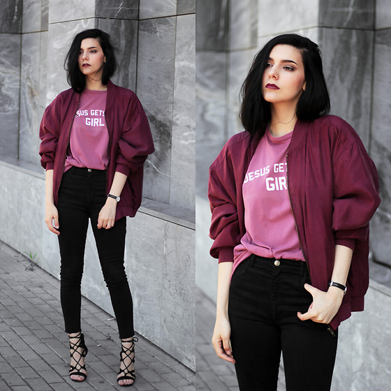 CLAUDIA Holynights - Jesus Gets The Girl Vintage Red Tee, Vintage Bomber, Lulu*S Lace Up Shoes, Daniel Wellington Watch - Vintage Red