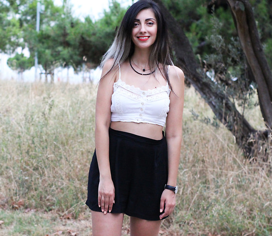 FOSBLOQUE Aristakesyan - Stradivarius White Lace Crop Top, H&M High Waisted Black Shorts, Daniel Wellington Watch - Did You Smile Today?