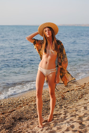 Yulia Sidorenko - Zaful Swimwear, Style Moi Kimono, H&M Hat - My cool Zaful swimwear