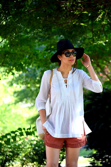 Melissa De Leon - Madewell Black Hat, Anthropologie White Blouse, Anthropologie Red Lace Shorts - Bow Blouse