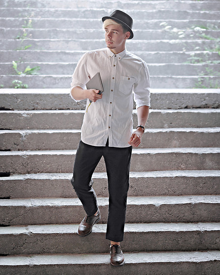 Edgar - Black Cropped Cotton Pants, Primark White Cotton Shirt, H&M Black Cotton Trilby, Brown Leather Brogue Shoes - BACK TO THE BASICS