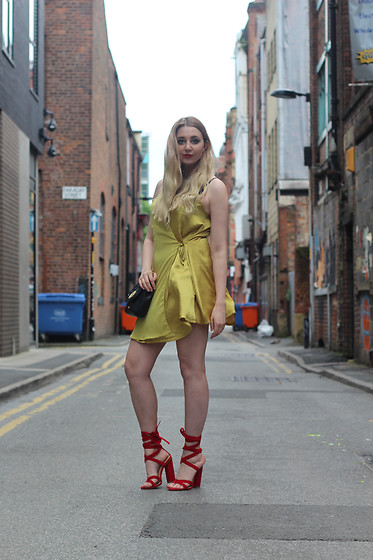 Laura Rogan - Missguided Dress, Public Desire Shoes - Dreaming of Chartreuse