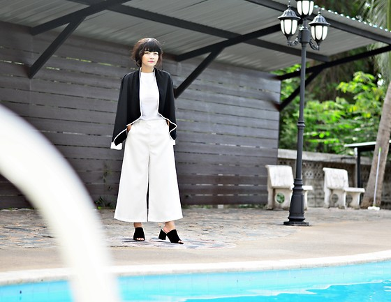 Small Feet Yeti - F&F Summer Blazer, White Tee, Aliexpress Culottes, Jeffrey Campbell Shoes Low Stacked Mule - LOW  STACKED  STYLE