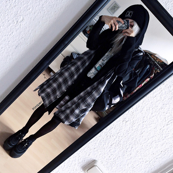Kimi Peri - Tk Maxx Plaid Vest, Underground Wulfrun Platform Creepers, Tights, Long Clothing Logo Beanie, H&M Assassine Hooded Cardigan, Fusion Clothing Neuron Backpack, Sarah Thursday Daydreamer Shirt, Thrifted Turquoise Stone Pendant - Undercover Mood