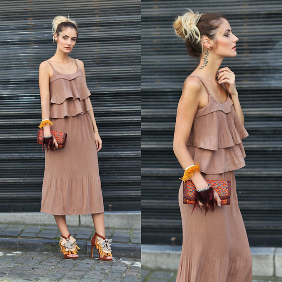 Ruxandra Ioana - Sammydress Two Piece, Rings& Tings Ear Cuff - Gold.