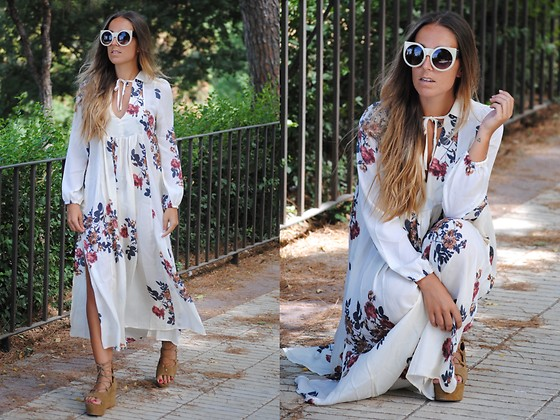 Claudia Villanueva - Zerouv Sunglasses, Sammydress Dress, Mango Sandals - A dress that looks like old