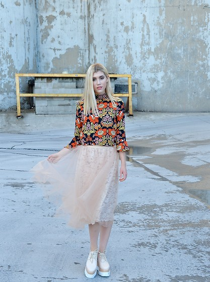 Dani Mikaela McGowan - Topshop Floral Bell Sleeve Top, Anthropologie Tulle Skirt, Nude Platforms - Princess in Platform