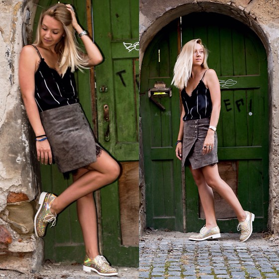 The Blonde Bliss - Mango Skirt, All Details Of The Look On - Layering in summer time
