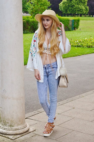 Isobel Thomas - Hidden Fashion Sandals, H&M Jeans, Ark Clothing Bag, Amazon Body Chain, Primark Crochet Bralet, Sammy Dress Embroiderd Kimono, Primark Straw Hat - Embroiderd Kimono