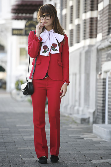 Iris . - More Details On Http://Www.Fashionzenblog.Com/ - THE GUCCI SUIT