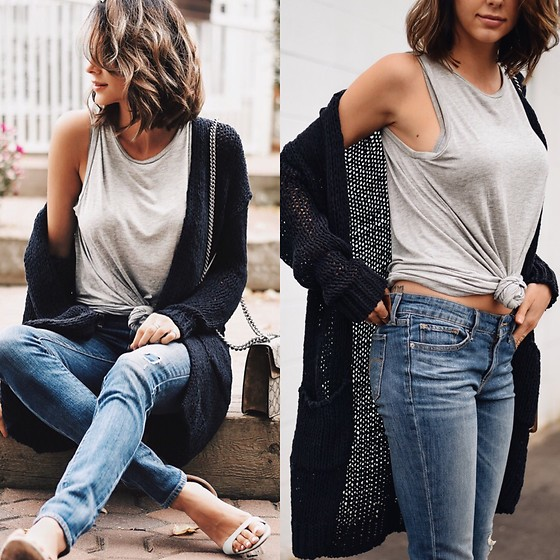 Amber - Free People Knit Cardigan, Alexander Mcqueen Grey Tank, Levi's® Patch Denim Jeans - Casual luxe
