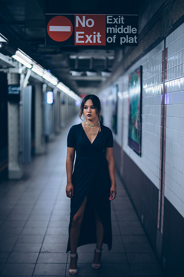 Ralizabeth Orellana - Burlington Gold Choker, Forever 21 Green Dress, Rainbow Heels - Glam in the subway
