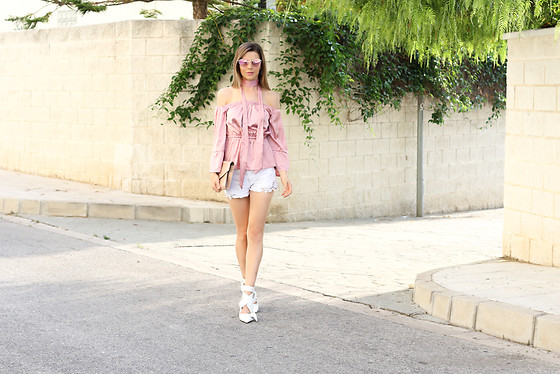 Cosmina M. //mbcos.net - Gamiss Silk Blouse, Zaful White Pointed Sandals - Silk blouse