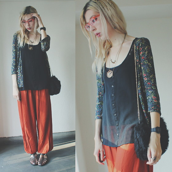 Candy Thorne - Universal Studios Timeturner Necklace, Thank You Mart Faux Fur Bag, Forever 21 Jellies, Thrifted Floral Cardigan - Timeturner
