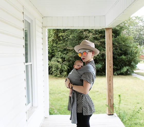 Olivia Hargrove - Beluga Baby The Mckenzie, Metal Marvels Blair Sunnies, Metal Marvels Handmade Bracelet Stack, Stetson Grand Central Hat - Wear Your Babe