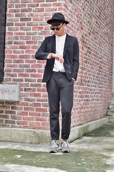 Anan Chien - Asos Hat, Uniqlo Suits, Uniqlo Shirt, Uniqlo Pants, New Balance Sneaker - Casual & Formal