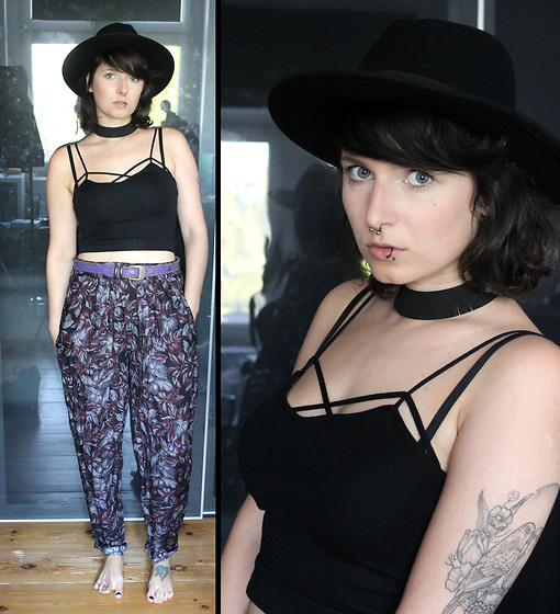 Maze - Vintage Floral Summer Pants, Vintage Belt, Shittyfucky Jewelry Handmade Fringe Choker - It's a jungle out there