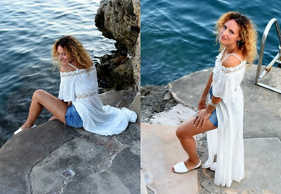 Mathilde Rockmycasbah -  - The white embroidered dress