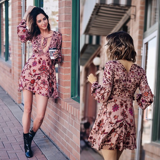 Amber - For Love & Lemons Floral Dress - Floral print
