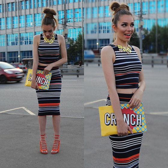 Retuksa - Aquazzura Sandals, Stradivarius Top, Stradivarius Skirt - Stripes