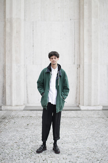 Martin Tichy - Thrifted Oversized Jacket, Levi's® White Shirt, H&M Oversized Pants, H&M Shoes - Www.MIMOM.eu