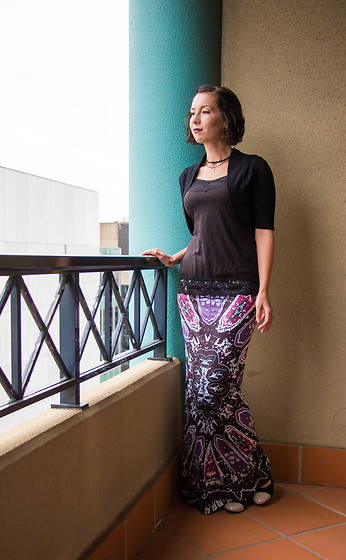 Lindsey Puls - Zaful Maxi Skirt - Dressing for the Wind