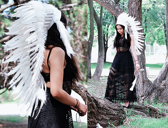 She is Magique Oh my Dior - Free People Lace Dress, Novum Crafts Indian Head Dress - If I only were.. free