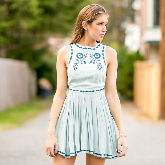 Gabrielle L. - Free People Blue Tea Party Dress - 80's in October? Bringing back the free people dresses!