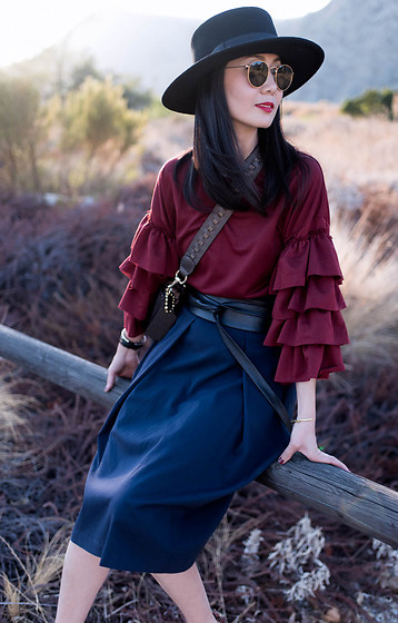Helen @ mountainandcloud.com - Shein Burgundy Tiered Ruffle Sleeve Tunic Dress - The colors of Fall
