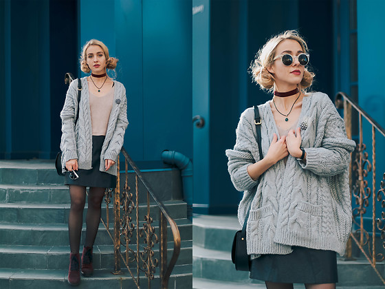Anna Pogribnyak - Romwe Sweater, Romwe Cardigan, Chic Wish Skirt, Zerouv Glasses, Vagabond Bag - Oversize cardigan and 2 messy hair buns