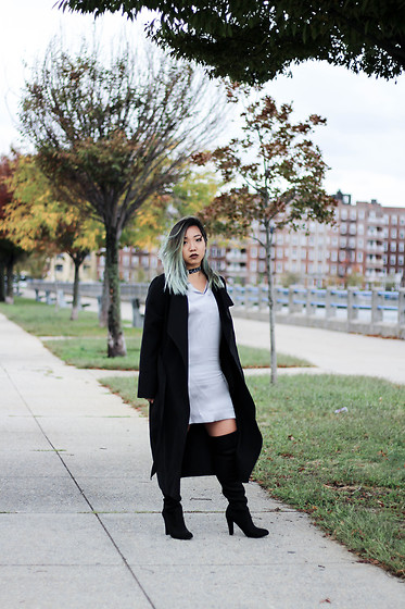 Jenn Hanft - Simple Retro Silk Dress, Na Kd Black Coat, Steve Madden Gorgeous Otk's - Metallics