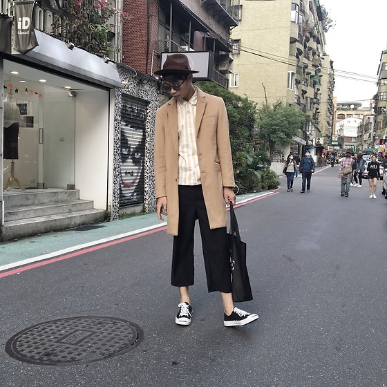 Anan Chien - Uniqlo Shirt - Black x Camel