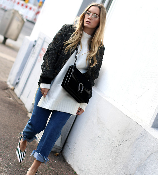 Fashiontwinstinct - Zara Knit, Bershka Mom Jeans, El Roy Eyewear Glasses - Bomber, Knit & Mom Jeans.
