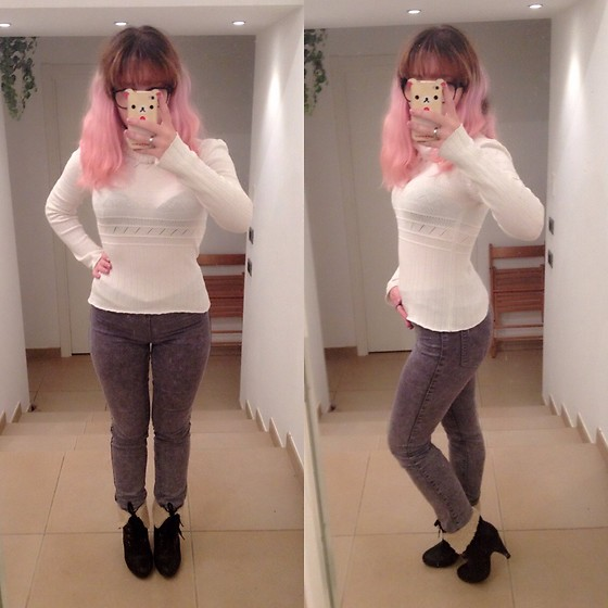 Taya Tuk - Apple Iphone4s, H&M Pants - 161112