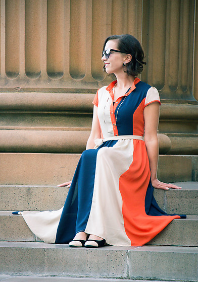 Lindsey Puls - Shein Dress, Peter Dumas Wedges, Polette Sunglasses - Adjusting Accordingly Attire