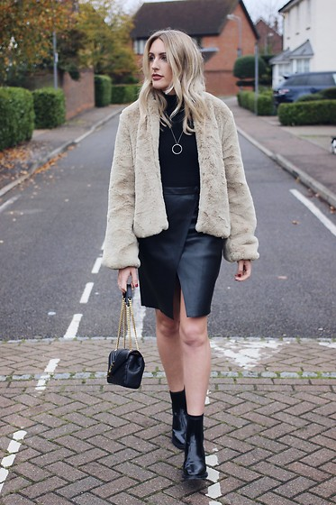 Charlotte Buttrick Lewis - Revolve Teddy Bear Bomber Coat, River Island Leather Wrap Skirt, Saint Laurent Bag - The teddy bear bomber jacket
