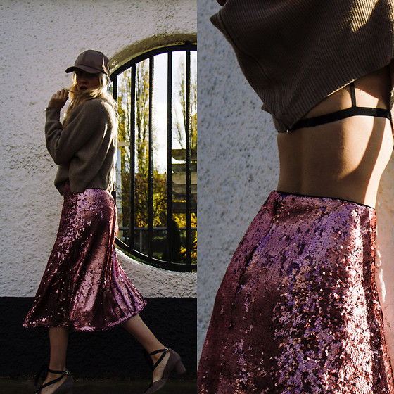 Eleonore Marie Stifter - H&M Skirt - Color of the Season