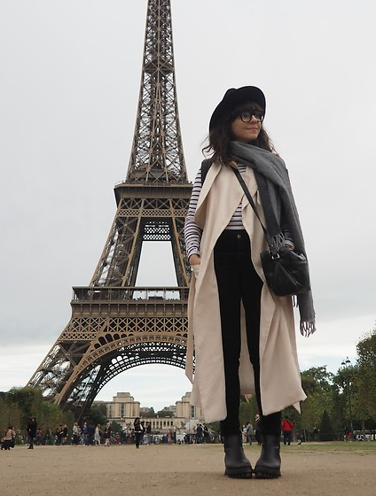 Fashionella ♥ - Asos Cross Body Bag, H&M Trench Vest, Zara Black Jeans - Paris