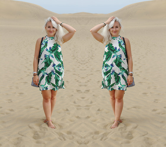 Alex MacEachern - Missguided White And Green Leaf Dress, Michael Kors Silver Watch, Baia Bags Purple Bucket Bag - Able To Exist In Two Places At Once