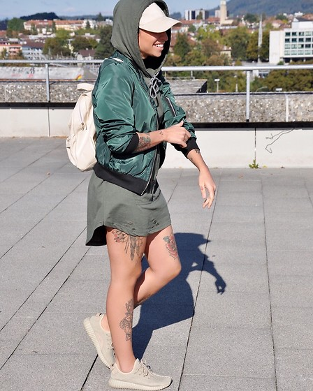 Giorgia Maniera - Kanye West Shoes - Street Style
