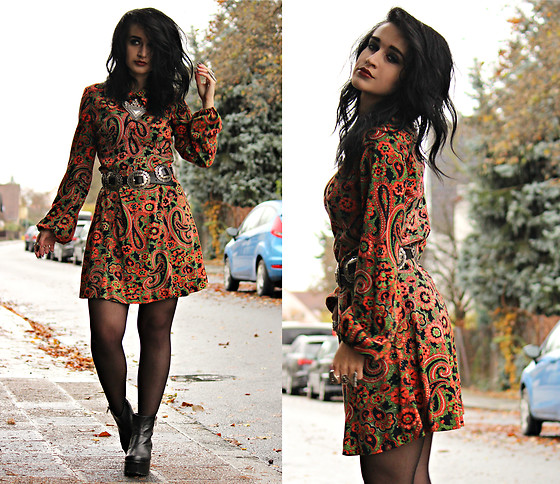 Tessa Diamondly - Vintage Paisley Dress - I'm coming up on infra red.