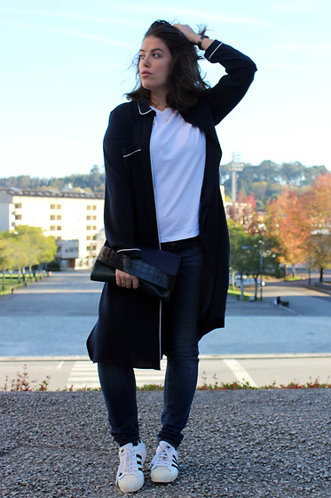 Joana Sá - Nixon Watch, Zara Maxi Shirt, Parfois Necklace, Stradivarius White Shirt, Zara Hand Bag, Zara Jeans, Adidas Superstar - Friday