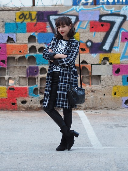 Fashionella ♥ - Asos Plaid Jacket, Asos Printed T, Mango Black Pants, Asos Black Boots, Asos Black Side Bag - Asos Total Look