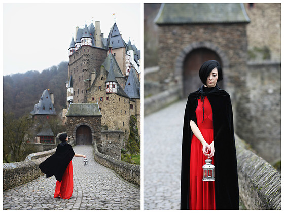 Aleksandra L. - Cosplay Coat - ELTZ CASTLE