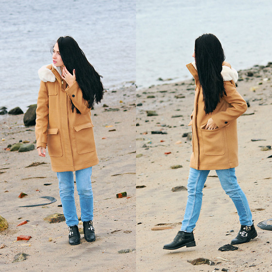 Maria Perchekliy - Mango Coat, Pull & Bear Boots, Zara Jeans - Cold Beach