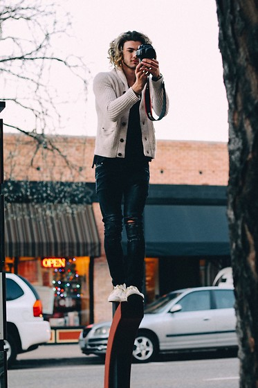 Caleb Paulson - H&M Distressed Jeans, Converse Cream, Forever 21 Black Long T, American Eagle Outfitters Cream Cardigan, Daniel Wellington Black Watch - Snap a photo