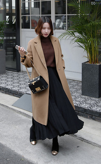 Miamiyu K - Miamasvin Wool Long Coat, Miamasvin Pleated Maxi Skirt - Caramel