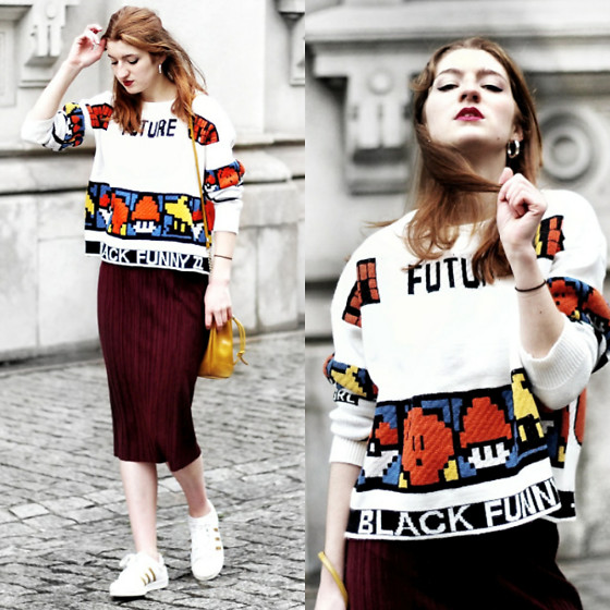 Martina L. - Style We Sweater - FUNNY PRINTS