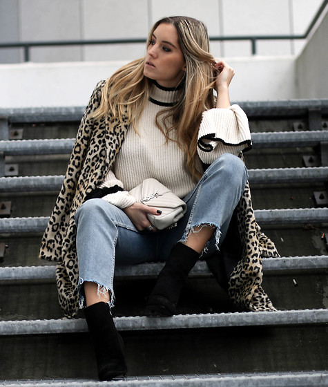 Fashiontwinstinct - Topshop Mom Jeans, H&M Boots, Ysl Monogramme Bag, Mango Leo Coat - Wide Sleeves & Leo Coat x YSL.