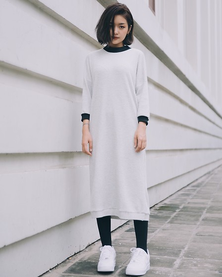 Nga Wendy -  - Sweatshirt Dress